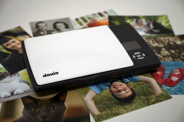 Doxie Flip portable scanner