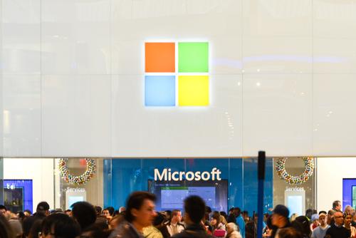 Microsoft slashes Windows license price