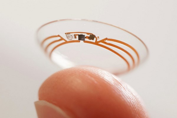 Google contact lenses with camera